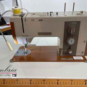 MACCHINA PER CUCIRE BERNINA INDUSTRIAL 950 USATA